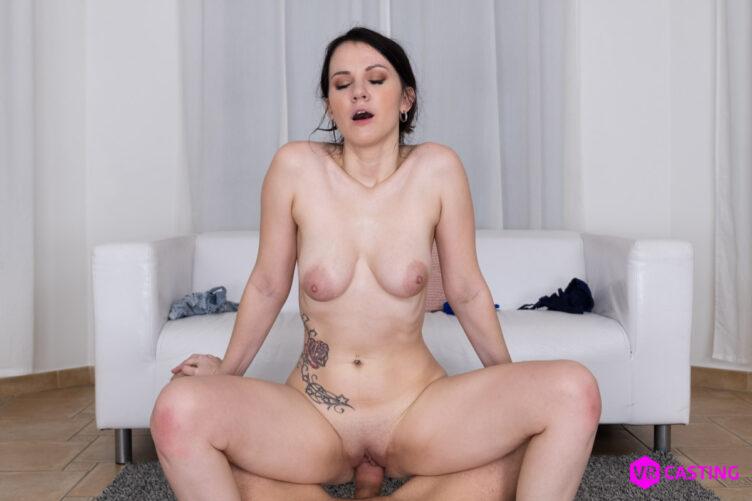 Cute Brunette – Melany Mendes